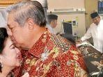 sby-kenang-detik-detik-terakhir-ani-yudhoyono-wafat-air-mata-keduanya-menetes-air-mata-cinta.jpg