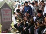 sby-ziarah-ani-yudhoyono.jpg