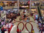 suasana-pengunjung-di-nagoya-hill-mall-batam.jpg