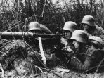 tentara-jerman-mengoperasikan-senapan-maxim-di-perang-dunia-i.jpg