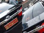 viral-mobil-sedan-hitam-berpelat-dinas-tni.jpg
