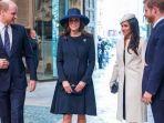 walau-resmi-jadi-anggota-royal-family-gerakan-meghan-markle-ke-kate-middleton-ini-bikin-heran_20180527_224018.jpg