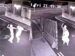 wanita-yang-dicuri-tasnya_20180404_233856.jpg