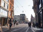 wisatawan-berjalan-di-kawasan-leidsestraat-amsterdam-belanda-rabu-2352018_20180906_092245.jpg