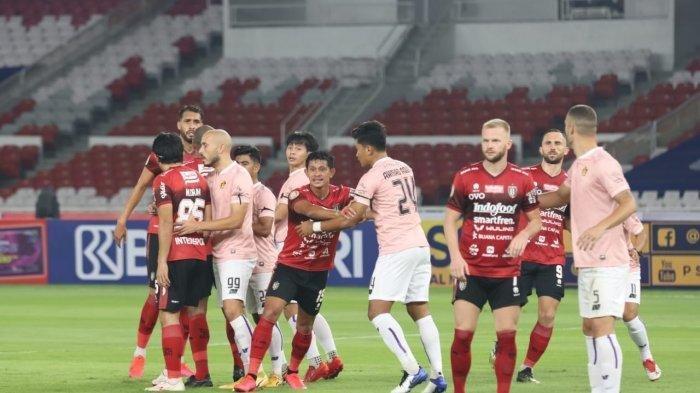 Bali United saat melawan Persik Kediri