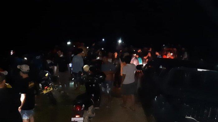 Daftar 36 mahasiswa pecinta alam atau Mapala yang terjebak di Gunung Amonggedo usai pengibaran bendera merah putih HUT RI ke 76 berhasil dievakuasi, Rabu (18/08/2021) dinihari.