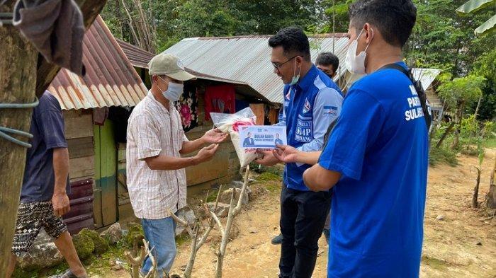 Anggota DPRD Sultra Abdul Salam Sahadia Bagi Bantuan ke Warga & Mahasiswa Terdampak Covid-19