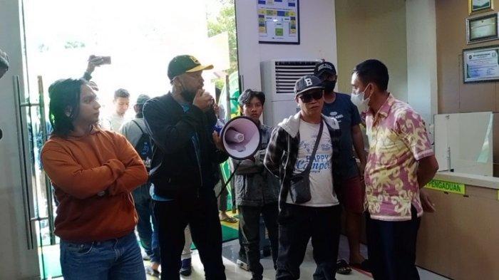 Gegara Batal Sita Eksekusi, Ahli Waris Lahan Lapangan Golf Sanggoleo Geruduk Pengadilan Kendari