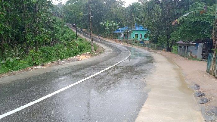 Pengerjaan Akses Jalan ke Pantai Wisata Batu Gong Konawe Selesai Dikerjakan, Kini Bisa Dilalui Warga