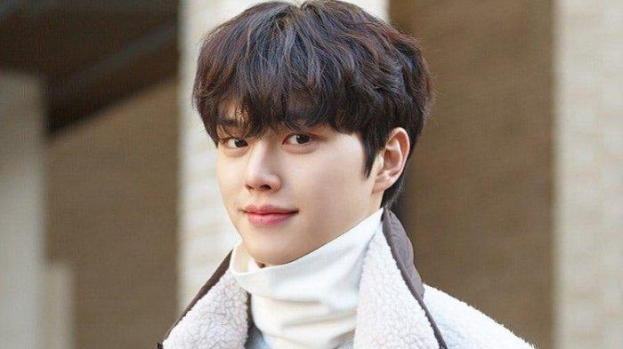 Profil Song Kang, Aktor Korea Selatan Pemeran Drama Nevertheless, Ini Deretan Drakor yang Dibintangi