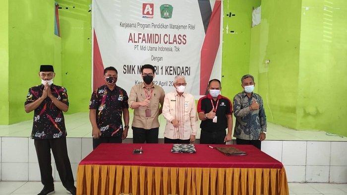 Alfamidi Bakal Langsung Pekerjakan Lulusan SMKN 1 Kendari di Seluruh Gerai di Sulawesi Tenggara