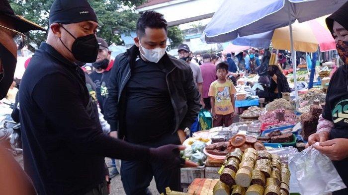 Blusukan Andi Sumangerukka: Dialog dengan Pedagang Ikan di TPI Kendari, Ngobrol di Masjid Al Alam