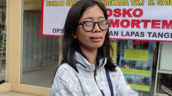 Angeline (40) keluarga korban kebakaran di Lapas Klas I Tangerang, saat mendatangi Posko Antemortem yang dibuka oleh RS Polri, Rabu (8/9/2021).