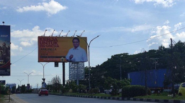 Sejumlah Baliho Pejabat Terpasang di Kota Kendari, Mulai Ketua DPR RI, Menteri Sampai Ketua Partai
