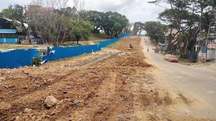 Bangunan pagar rumah jabatan Gubernur Sulawesi Tenggara ( Rujab Gubernur Sultra) kini telah dibongkar.