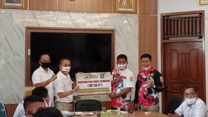 DPD Gerindra Sultra Salurkan 2.500 Paket Sembago Bagi DPC dan PAC Gerindra se Sultra