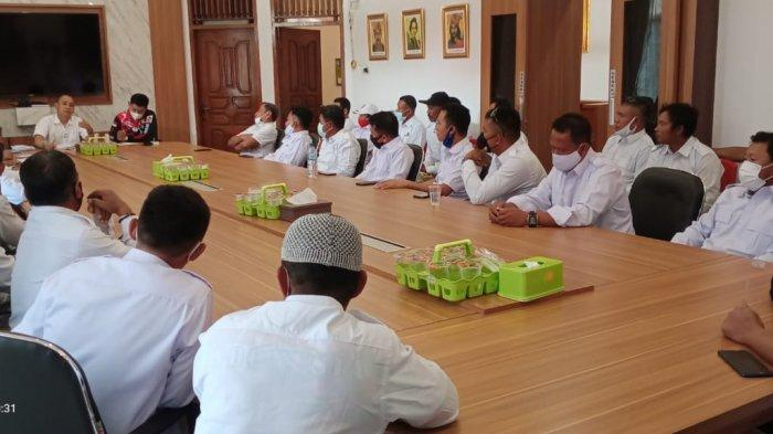 Penyerahan Bantuan Paket Sembako DPD Partai Gerindra Sultra untuk DPC dan PAC Partai Gerindra se Sulawesi Tenggara