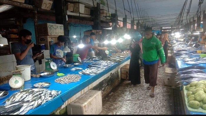 Pedagang Pasar Anduonohu Kendari Jarang Pakai Masker: Belum Terbiasa Kadang Sesak Napas, Suka Lupa