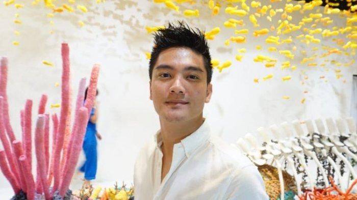 12 Film Indonesia yang Dibintangi Aktor & Presenter Boy William, Sunshine Becomes You, Stay With Me