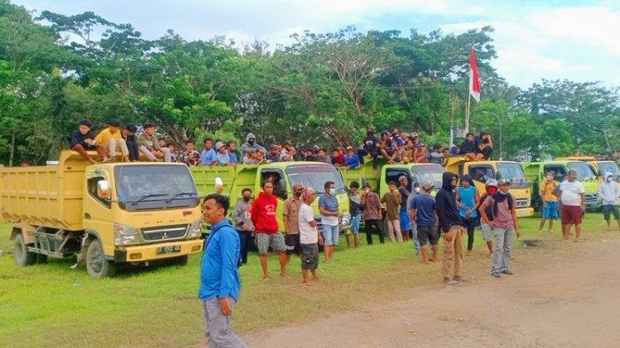 Ratusan Buruh Penambang Pasir Tradisional di Konawe Unjuk Rasa di DPRD, Minta Jangan Dipolitisasi