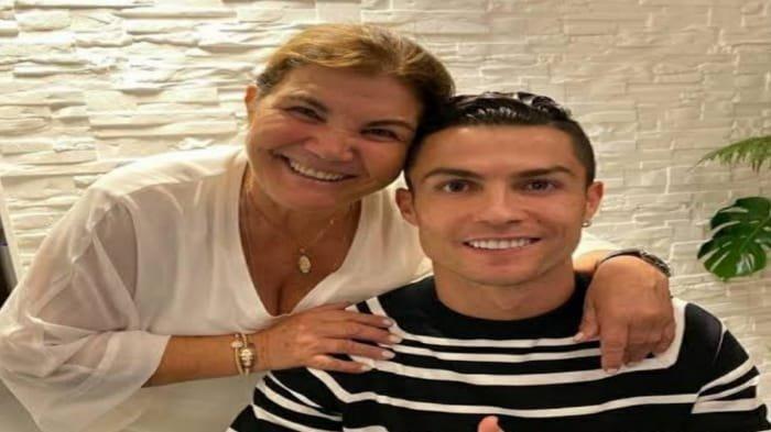 Dolores Aveiro Sebut Cristiano Ronaldo Tak Akan Pensiun di Manchester United, Dolores Sebut Klub Ini