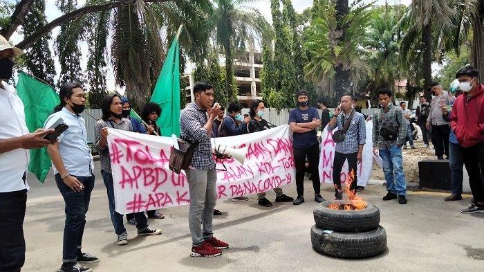HMI Kendari Protes Pembangunan Jalan Kendari-Toronipa Bernilai Triliunan: 260 KM Jalan Masih Rusak