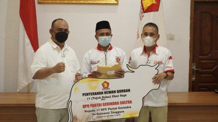 Jelang Idul Adha, DPD Gerindra Sultra Serahkan 34 Ekor Hewan Kurban untuk Warga Kurang Mampu
