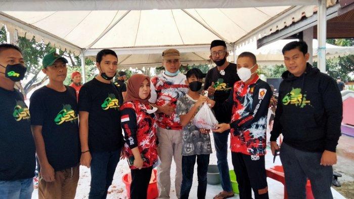 Hari Raya Idul Adha 2021, DPD Gerindra Sultra Bagikan 300 Paket Daging Kurban dan Sagu
