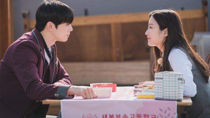 Sinopsis Drama Korea True Beauty Episode 3: Suho Telah Ketahui Rahasia Jukyung?