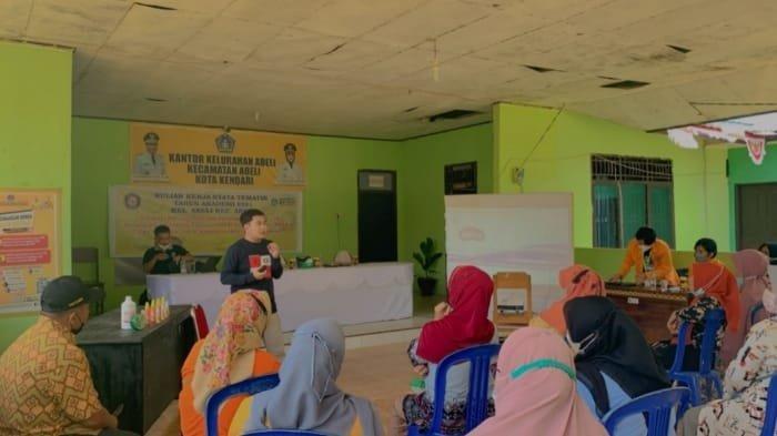 Mahasiswa Fakultas Farmasi UHO Edukasi Warga Kelurahan Abeli Kota Kendari, Pemanfaatan Tanaman Obat