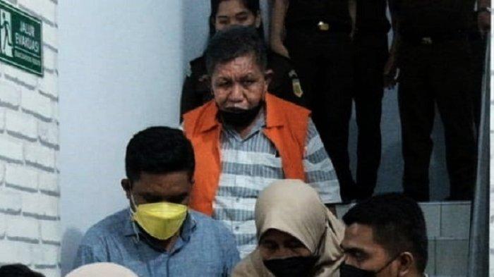 Kejari Tahan Eks Kepala Disperindag Baubau, Dugaan Korupsi Bangun Pasar, Kerugian Negara Rp2 Miliar