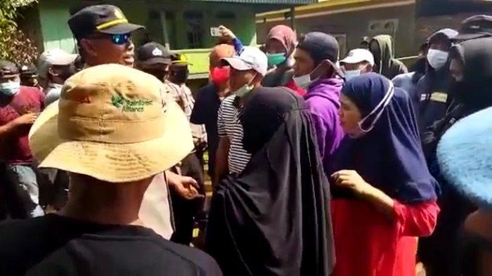 Emak-emak Cekcok dengan Polisi Saat Demo PT CNI di Kolaka, Tuntut Ganti Rugi Lahan dan Tanaman