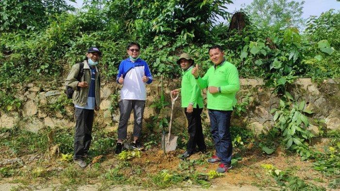 Peringati Hari Lingkungan Hidup Sedunia 2021, FP UHO Tanam 43 Pohon dan Semprot Eco Enzyme di Kampus