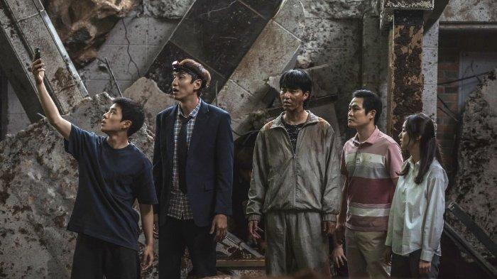 Sinopsis Film Korea Sinkhole: Drama Komedi tentang Bencana Amblesnya Tanah di Jantung Kota Seoul