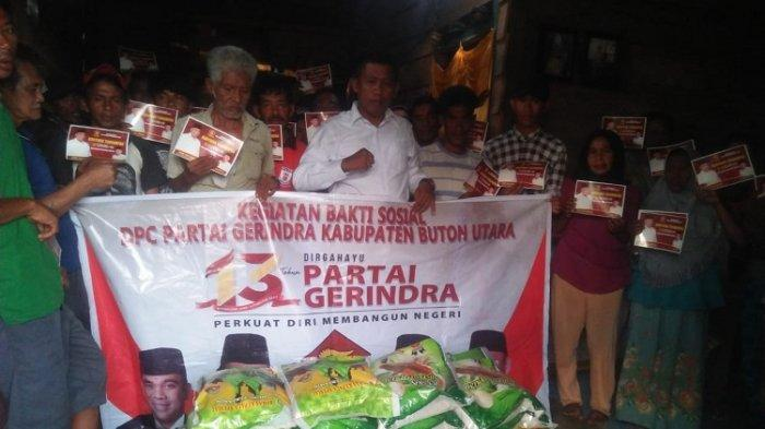 DPC Gerindra Buton Utara saat memberikan bantuan kepada warga di Kelurahan Kulisusu