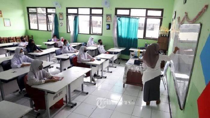 Aturan Sekolah Tatap Muka di SKB 4 Menteri, Guru Wajib Vaksin Covid-19, Vaksinasi Siswa Bukan Syarat