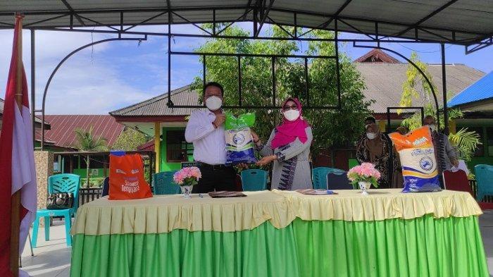 Terus Komitmen Salurkan Hasil Produksi Petani, Bulog Sultra Kerjasama dengan SMP Negeri 2 Kendari
