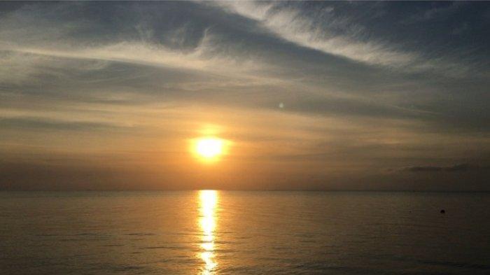 Suasana Fajar di Pantai Toronipa Konawe, Sajikan Panorama Matahari Terbit yang Menyejukan Mata