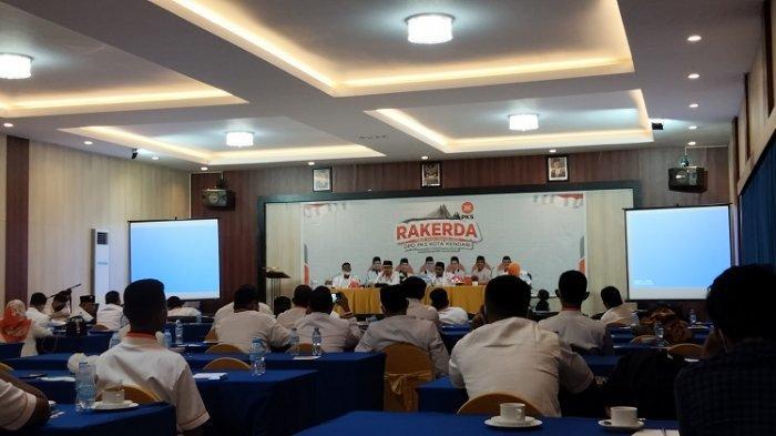 Rakerda DPD Partai Keadilan Sejahtera (PKS) Kota Kendari di Hotel Azizah di Hotel Azizah Jl DI Panjaitan, Kelurahan Wundudopi, Kecamatan Baruga, Kota Kendari, Sulawesi Tenggara, Minggu (20/6/2021).