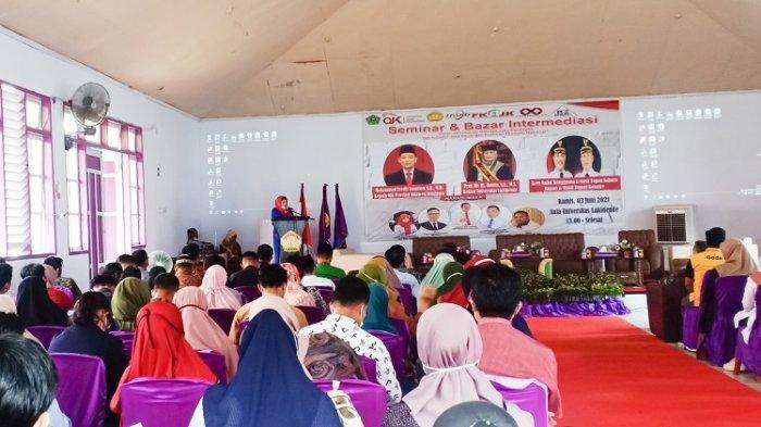 Gelar Seminar dan Bazar Intermediasi, Rektor Unilaki Harap UMKM Manfaatkan Jasa Keuangan