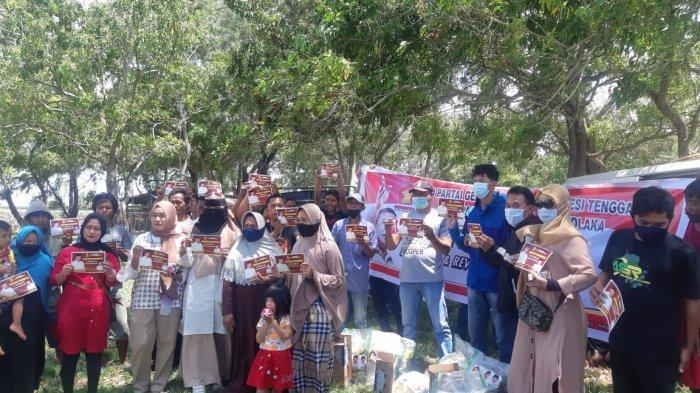 Batuan Sembako DPD Gerindra Bagi Warga Kolaka