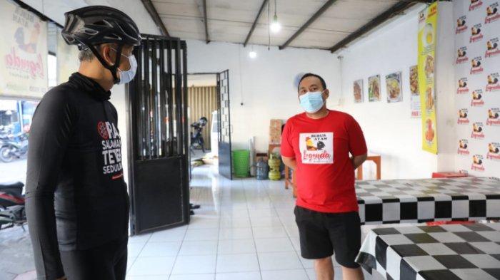 Ganjar Pranowo Borong Bubur di Warung yang Gratiskan Makanan untuk Pasien Covid-19