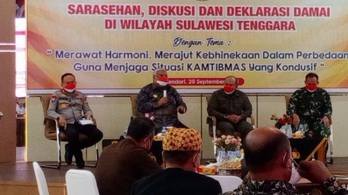 Gubernur Sultra Ali Mazi Mengaku Gemetar Saat Bentrok Kelompok Pemuda Bersenjata di Teluk Kendari