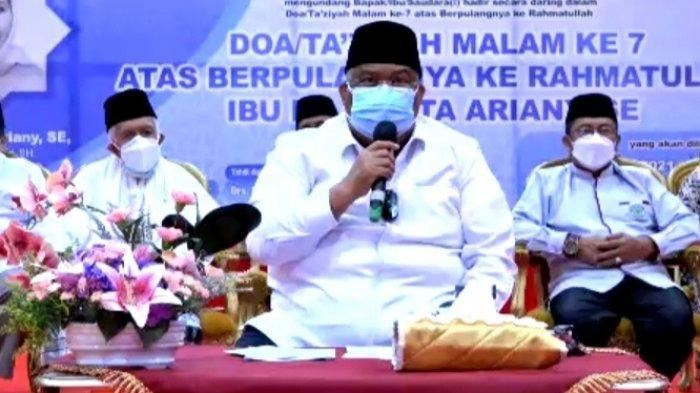 Gubernur Ali Mazi Minta Masyarakat Sulawesi Tenggara Maafkan Kesalahan Istrinya Agista Ariany