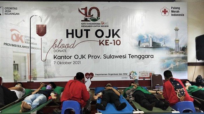 HUT 10 Tahun Otoritas Jasa Keuangan RI, OJK Sulawesi Tenggara Gelar Donor Darah, Bagi-bagi Suvenir