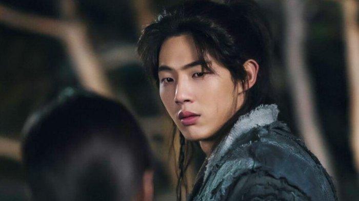 Ji Soo dan KeyEast Dituntut Ganti Rugi Biaya Produksi Drama River Where the Moon Rises