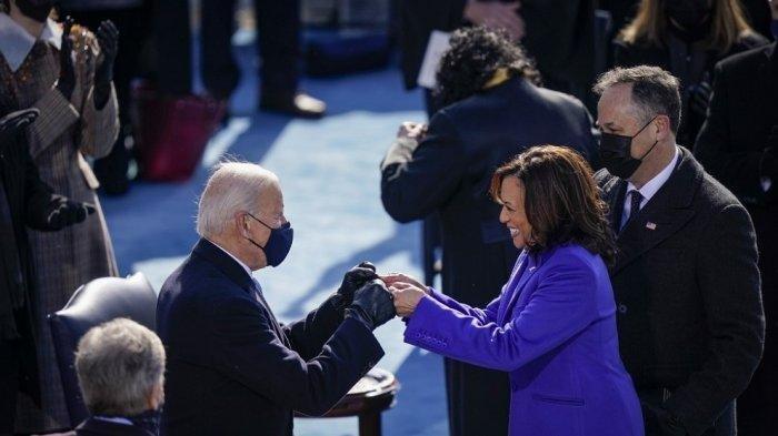Kumpulan Foto Pelantikan Joe Biden dan Kamala Harris, Ada Penampakan Alkitab 127 Tahun