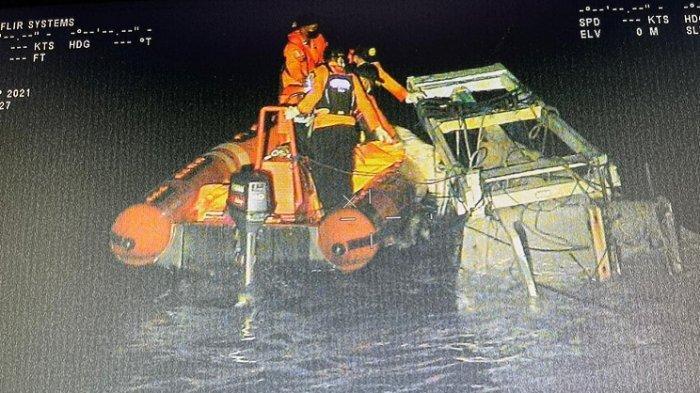 KPP Kendari Evakuasi 2 Jenazah Korban Tenggelam, 1 Selamat Usai 160 Jam Bertahan Hidup di Laut