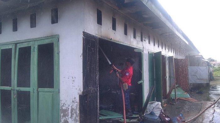 Rumah Legenda Tukang Foto di Kota Kendari Dilalap Si Jago Merah, Kerugian Puluhan Juta