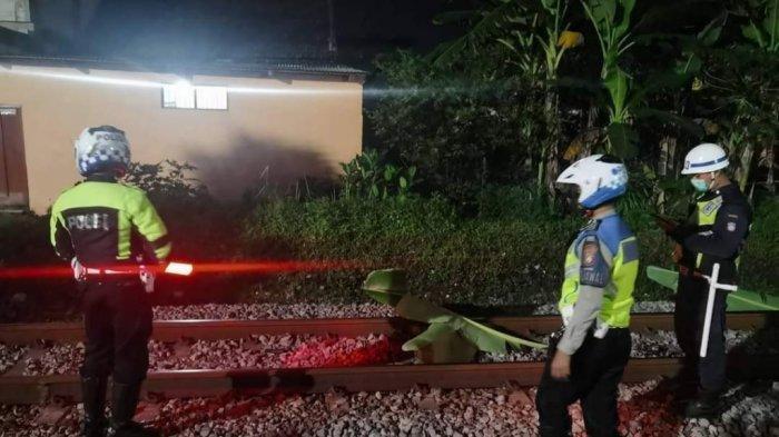Ibu Sedang Siapkan Makan, Balita 2,5 Tahun Keluar Rumah Lalu Tewas Tersambar Kereta Api